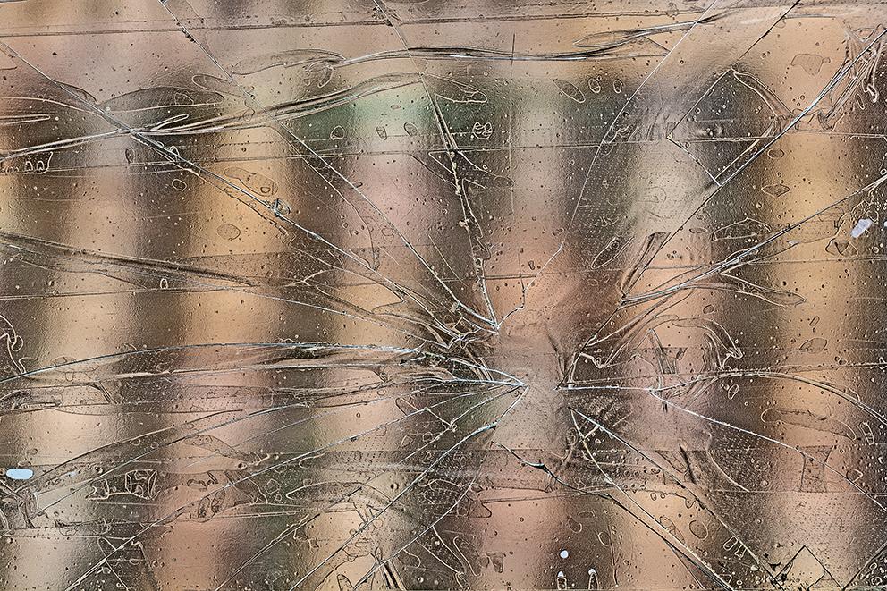 arte tejado en la candelaria a través vidrio roto